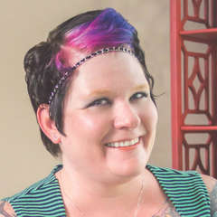 Author Bio: Jay Crownover